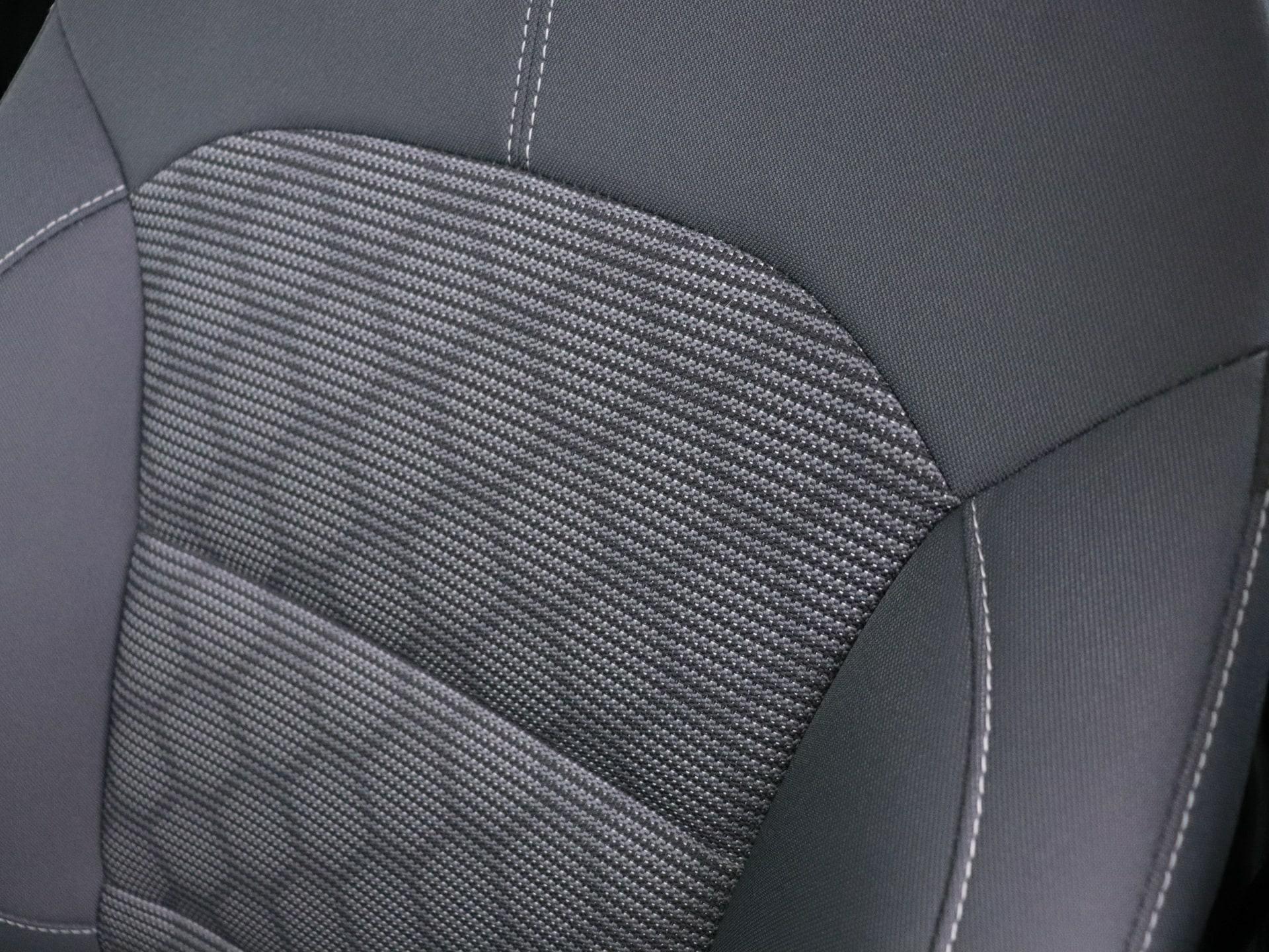 Kia Niro 1.6 Gdi Hybrid van CarSelexy dealer Autobedrijf G. van Hooijdonk in Ulvenhout